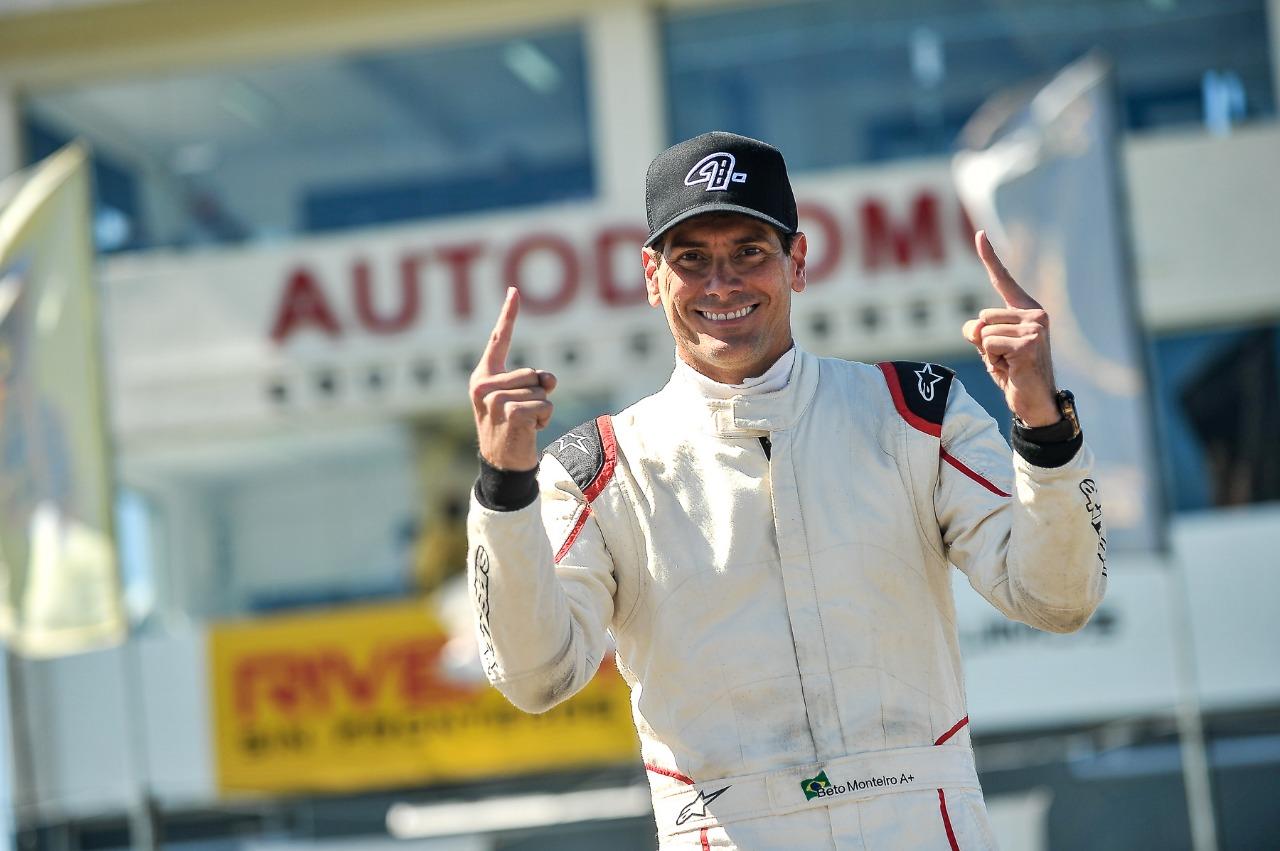 Beto Monteiro conquista a pole position no Uruguai
