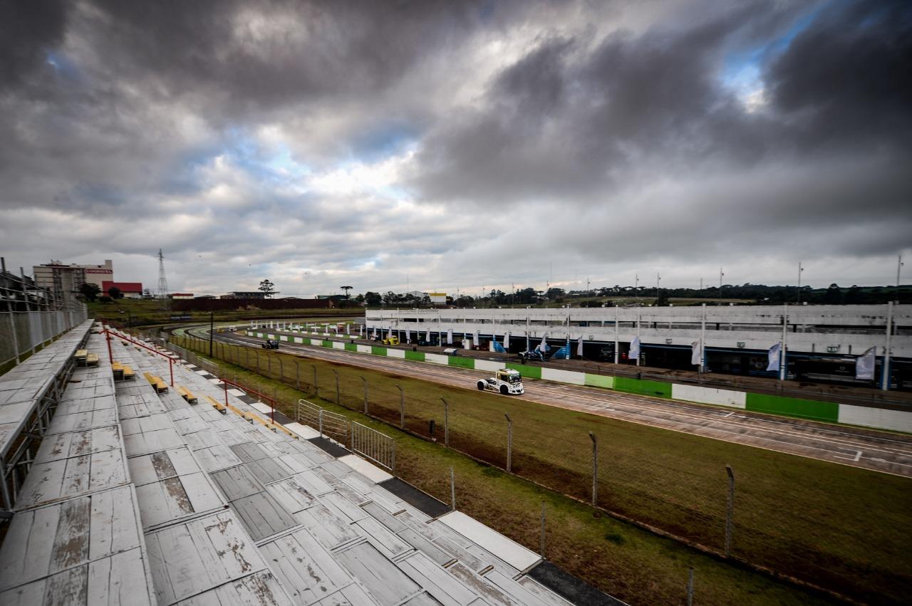 Cirino vence na retomada do automobilismo brasileiro em Cascavel